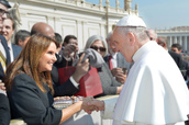 Shari Arison meets Pope Francis in the Vatican