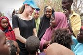 UNHCR Goodwill Ambassador Angelina Jolie meets Somali refugees in Dadaab on September 12, 2009. (UNHCR/B. Heger)
