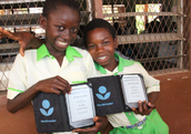Ghana schoolgirls with their Worldreader e-readers