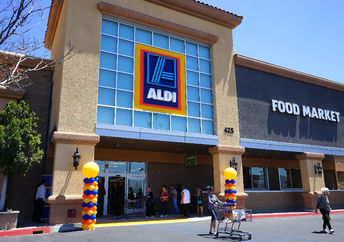 An ALDI store in California (Joe Seer / Shutterstock.com)