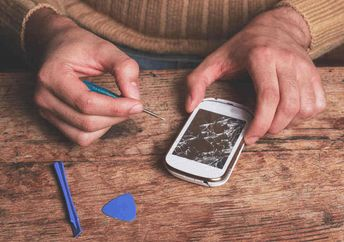 Fixing a smartphone is an encouraging achievement that is as rewarding to the teens as it is to the broken device's owner. (Shutterstock)
