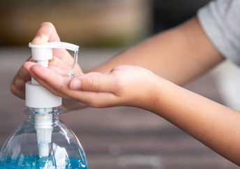 How to make hand sanitizer form things you have at home