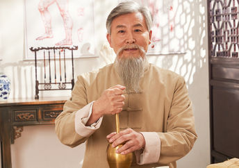 Chinese practitioner of traditional healing.