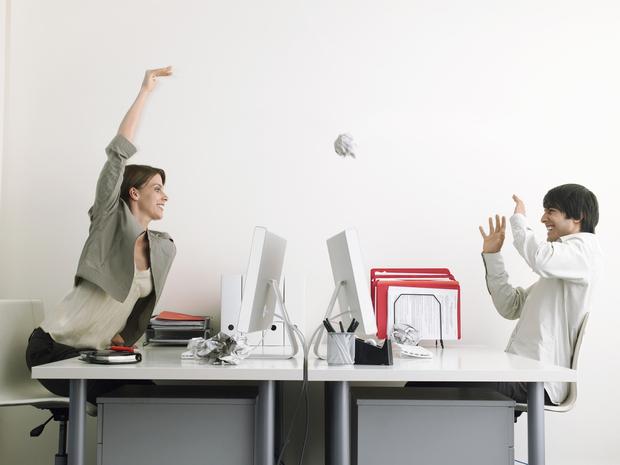 Etonnant Office Frivolity. Image By Shutterstock
