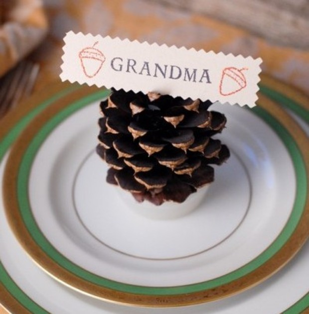 DIY pinecone place card holder