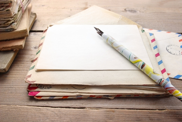 Stationary set for snow day letter-writing