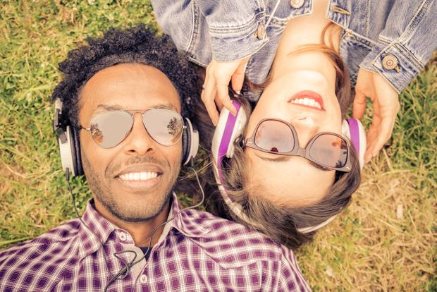 4 Ways Music Strengthens Social Bonds - Goodnet
