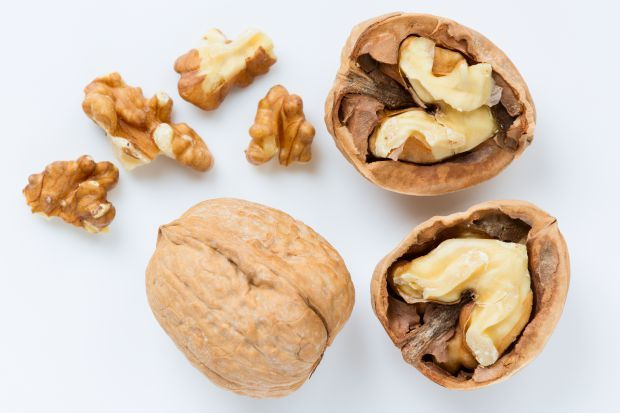 walnuts help boost mood