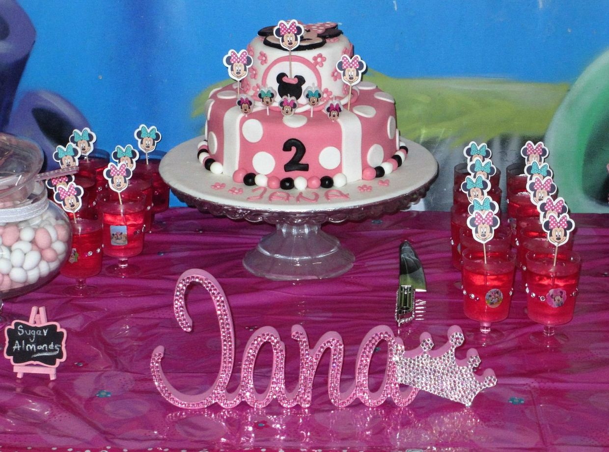 A Minnie Mouse cake