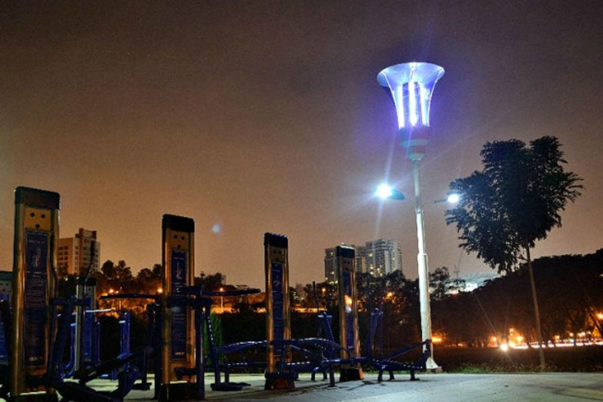 High-tech streetlight detects floods, fights disease and charges phones