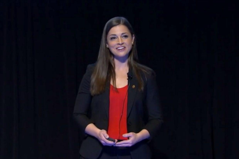 EMILY NÚÑEZ CAVNESS