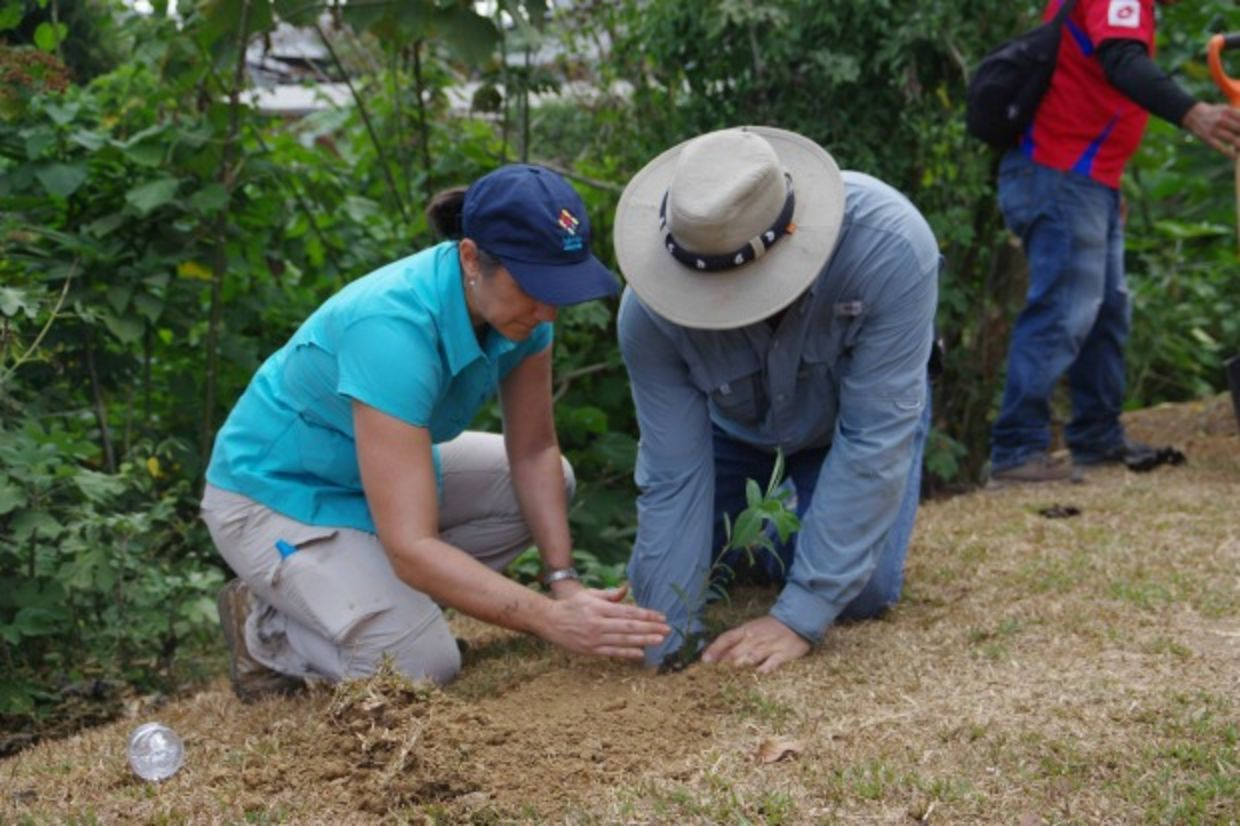 President and first lady of Costa Rica plant a tree for Good Deeds Day
