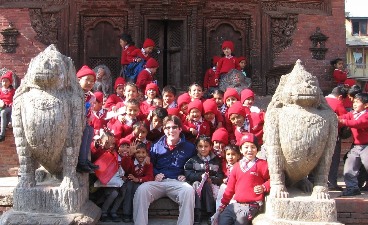 Clark visits schoolchildren in Nepal (Projects Abroad)