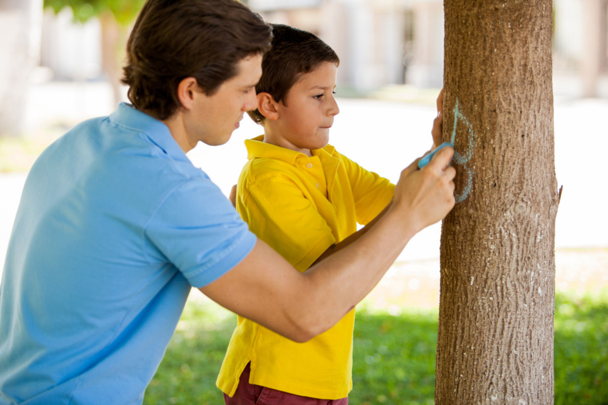 Kids are more likely to be kind and generous when they have at least one parent who models that behavior for them. (Shutterstock)