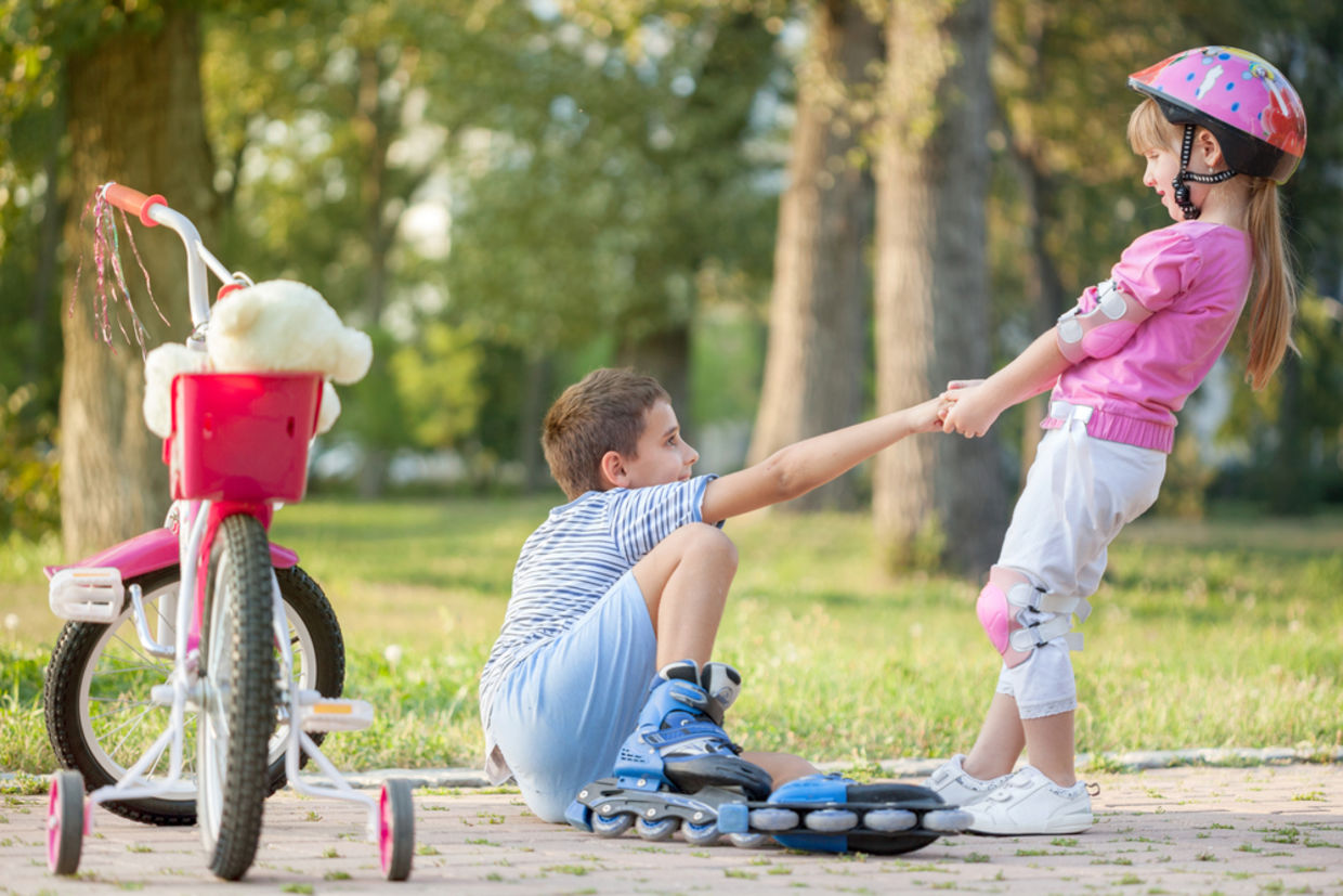 For kids to feel compelled to help others, first they have to recognize that their help is actually needed. (Shutterstock)