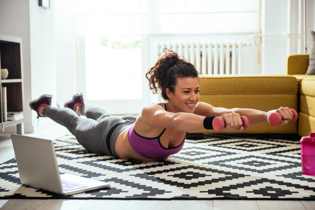 Online classes let you get a workout in wherever and whenever you want. (Shutterstock)
