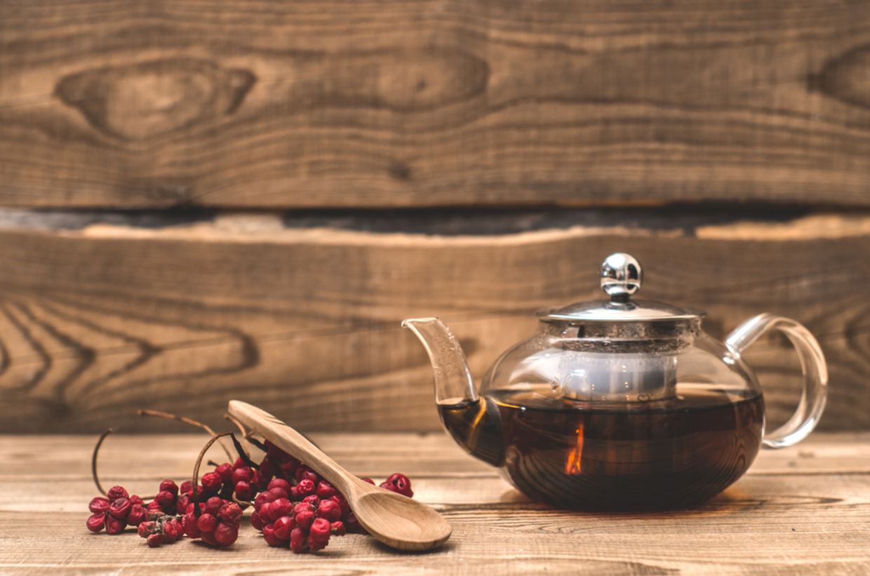 Schisandra tea is both delicious and extremely healthy. (Shutterstock)