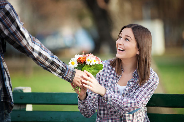 Even the simples kind gesture can make someone's day. (Shutterstock)