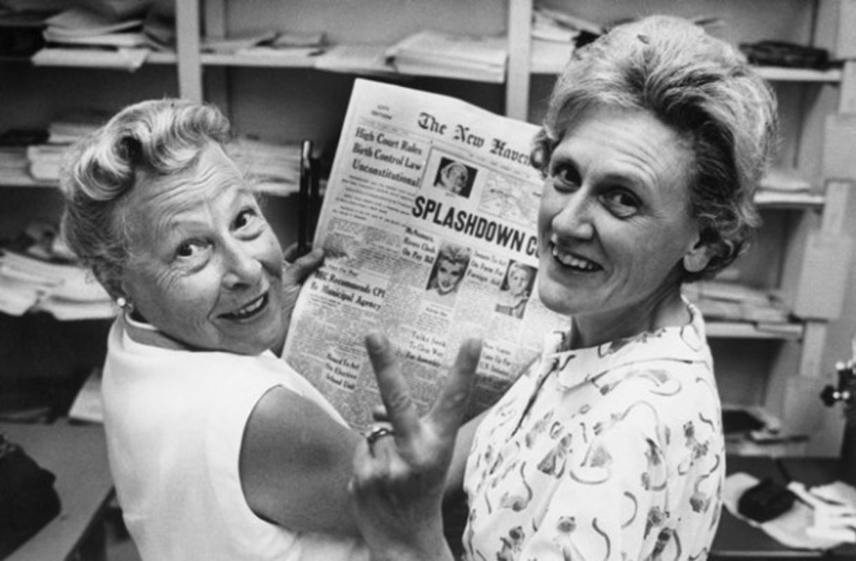 Estelle Griswold (L), medical advisor and executive director of the Planned Parenthood Clinic in New Haven, and Mrs. Ernest Jahncke, president of Parenthood League of Connecticut, Inc., flash a victory sign as a result of the court's decision that Connecticut's birth control law was unconstitutional