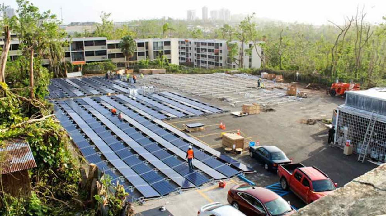 A huge solar panel array was built in the parking lot of San Juan's Hospital del Nino
