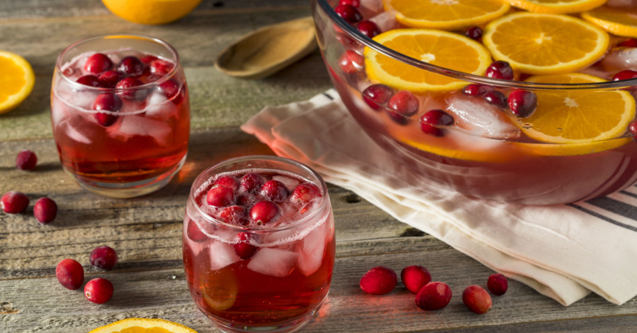Everyone appreciates a nice holiday punch. (Shutterstock)